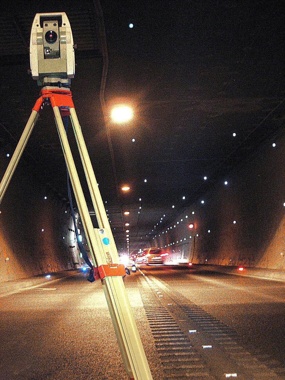 3D-Verschiebungsmessung bei halbseitiger Tunnelsperre